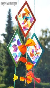 Making kites with wooden sticks – crafting with children