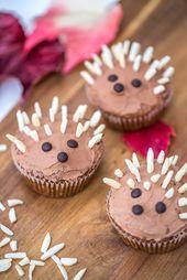 Herbstliche Igelcupcakes mit Rezept für saftige Apfelmuffins mit Walnüssen und …   – Baking