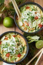 Grünes Thai Curry mit Zucchini, Möhren und Pak Choi