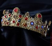 AGNESE Royal Baroque Red Crown