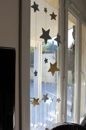 DIY : la guirlande étoile, un rideau de noël avec 2 bouts de laine et du papier ! – Deco noel