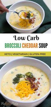 Ma recette préférée de soupe céto d'automne au brocoli et au cheddar est crémeuse et …