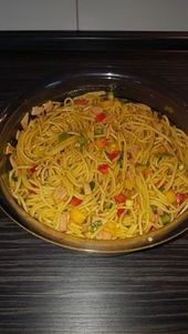 Ensalada de espagueti de verano, una buena receta con imagen de la Sauc …   – Essen