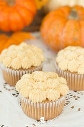 Apfelbutter Cupcakes mit Kürbis Buttercreme Zuckerguss