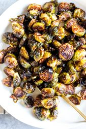 These Easy Roasted Brussels Sprouts have only four ingredients and are so simple…   – Best Side Dishes