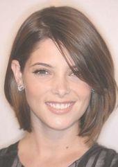 Moderne Haarschnitte für runde Gesichter