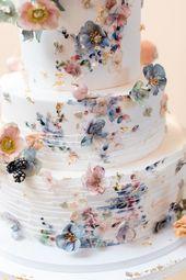 Fun & Romantic Wedding at Chester Valley Golf Club – Malvern, PA   – Kleidung