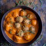 Griechische Truthahnfleischklöschen mit gebratener Soße des roten Pfeffers   – Healthy Eating