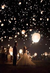 12 Magic Photos With Sky Lanterns For Your Wedding Album