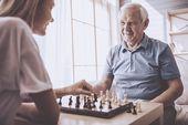 5 Aktivitäten, die Senioren mit Alzheimer in Verbindung bringen – 5 Causes of Elderly Rehospitalization within a Month