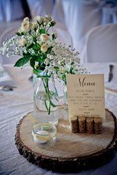 décoration table mariage – rondin de bois – bouquet de fleurs – menu – mariage …