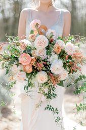 Erröten + Pfirsich Brautstrauß mit Ranunkeln, Gartenrosen und Jasmin   – fleurs