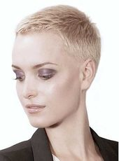 Super Kurzhaarschnitte für modernes und einzigartiges Aussehen – Einfache Frisur