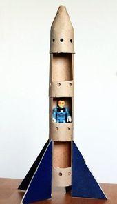 Bastelspielzeug aus Pappe, Bastelkarton, Spielzeugrakete
