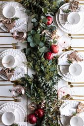 40+ Spectacular Ideas for Xmas Tablescape to Impress your Guests & Family