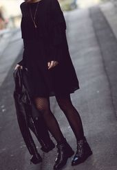 Schwarzes fliegendes Kleid – Montpellier Fashion Blog Julies kleine Welt