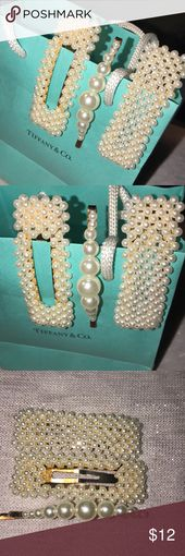 Gold-tone Pearl Hair Clips and Bobby Pin Cute trendy hair clips and Bobby Pin Gold-tone Never worn Fashion Jewelry Accessories Hair Accessories