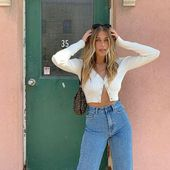 "Glassons on Instagram: ""Nitsan Raiter looks in the & # 39; Ribbed Crop Cardi & # 39; and & # 39; Wide Leg Jea …"