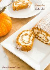Pumpkin Cake Roll ist ein feuchter Kürbiskuchen, der mit hausgemachter Schlagsahne gefüllt ist. Es'…