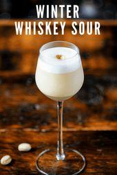 Winter Whisky Sour Cocktail ist eine großartige Pistazien-Variante eines klassischen Cocktails. T …   – The Gastronom Craft Cocktails