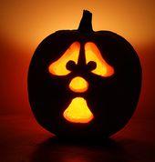 20+ Amazing Halloween Pumpkin Carvings
