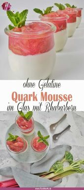 Luftiges Quark Mousse mit Rhabarberkompott