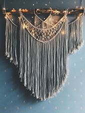 How stunning is this large macrame wall hanging decoration? I would love to have…