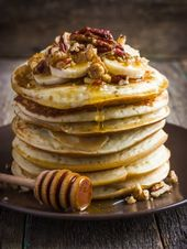 Healthy oatmeal pancakes with bananas