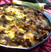 Saucisse aux œufs et poêle au fromage – aliments de camping … Vous pouvez facilement le faire en table de cuisson …  – Good breads
