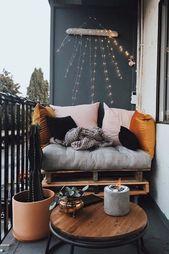 Diese Woche setze ich meinen Schwung zum Thema Balkon fort. Dieses Mal habe ich – Haus