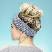 35 Easy and Pretty Top Knot Hairstyles #topknotbunhowto Best 35 Top Knot Bun Ideas on TheRightHairstyles
