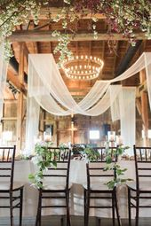 A Wedding that Fully Embraces Spring