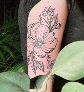 Blumenstück von @_snoeflinga_ #tattoo #tattoos #tattooing #art #armtattoo gemacht