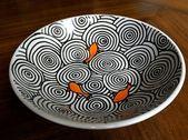 Assiettes peintes à la main que tout le monde peut peindre – idées de bricolage
