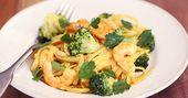 Savourez le meilleur des saveurs italiennes avec des linguines servies dans leur bol de parmesan!   – Italie
