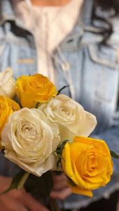 خلفيات ايفون ورد اصفر Iphone Wallpapers Download Rose Flower Wallpaper Flower Wallpaper Yellow Roses