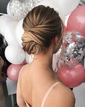 25 + ›updo texturé, coiffures de mariage updo, coiffures updo, updos en désordre, cheveux de mariée…