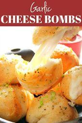 Easy Garlic Cheese Bombs Recipe – Biskuitbomben gefüllt mit klebrigem Mozzarella, …   – Snacks & Sides