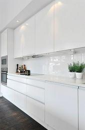Moderne weiße Küchen – Kücheneinrichtung in Weiß planen