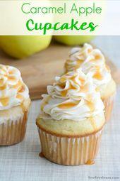 Dieses einfache Rezept für Karamell-Apfel-Cupcakes kombiniert Apfel-Cupcakes von …   – Funtastic Friday Link Party