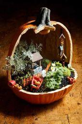 Fairy Garden hecho en una calabaza de papel maché cortada   – Crafty Ideas