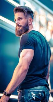 33 Trendy Undercut Frisuren, um Ihren Bart jetzt zu ergänzen