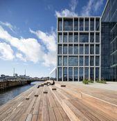 Mode im Pool – Bürogebäude von C.F. Møller in Aarhus #Aarhus #Büroarchitektur #Bürogebäude #G