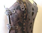 Rüstung Lederkorsett, Viking Design – keltische Drachen Cut-out-Design in schwere Leder. Verschiedene Größen verfügbar – Lederrüstung
