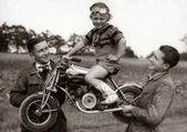 Vintage Motorrad Mädchen Fahrzeuge 17+ Ideen – Vintage Inspired – #girl #ideas …