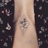 23 hübsche Lily Tattoo-Ideen für Frauen – Künstler