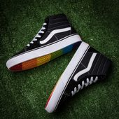 ce241262c796d1 Supreme x Vans classic Supreme and Vans have long been cooperation many  times