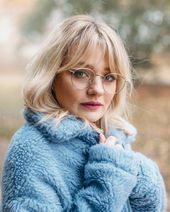 41 Beautiful Bangs Hairstyle for Women with Glasses - artbrid.com