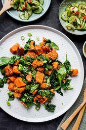 {Vegan} Gebratene Süßkartoffeln mit Sesam- Spinat und Asia- Gurkensalat – FoxyFood