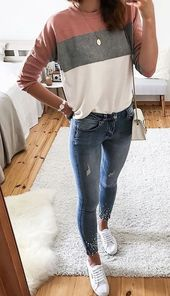 #fall # coincide con jeans. # azul #jeanshose # trajes   – Outfits